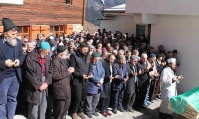 Kaymakam Ayrancı Öğrencilerle Trabzon'da tiyatro izledi