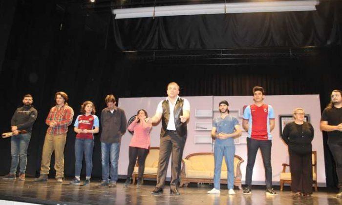 Çaykara-Dernekpazarı Üyelerine Ücretsiz Folklor Tiyatro Gösterisi
