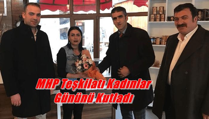MHP Çaykara Teşkilatı Mahalleleri ziyaret ederek kadınlar gününü kutladı