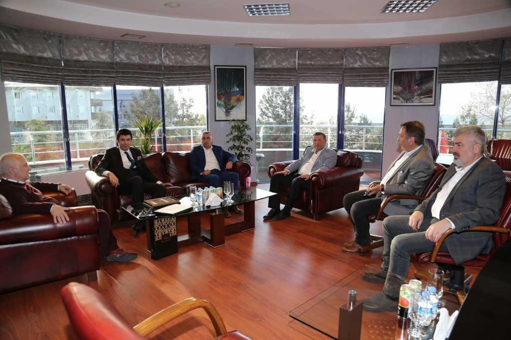 Kaymakam Ayrancı'dan Trabzonspor'a ziyaret 1