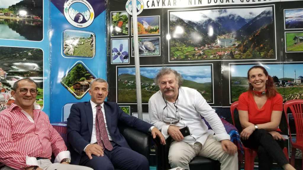 Trabzon günlerinde Çaykara standına yoğun ilgi 7