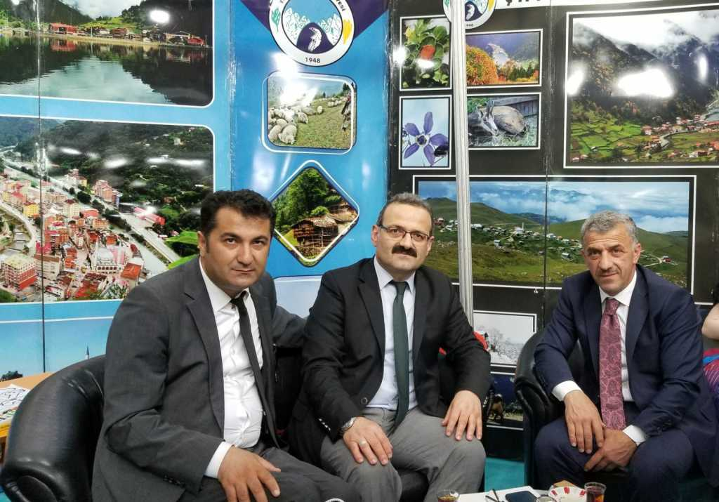 Trabzon günlerinde Çaykara standına yoğun ilgi 15