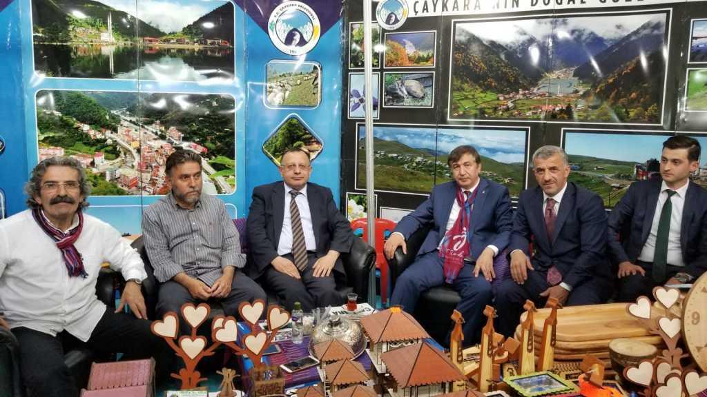 Trabzon günlerinde Çaykara standına yoğun ilgi 9