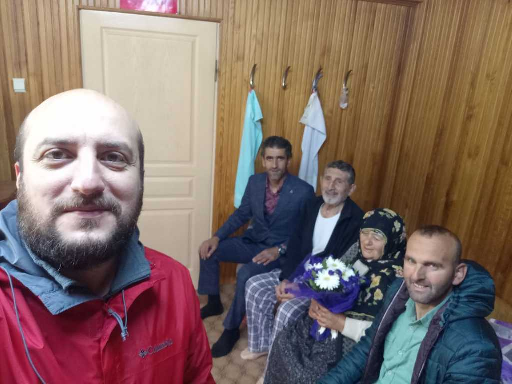 MHP Çaykara İlçe teşkilatı anneler gününü kutladı 2