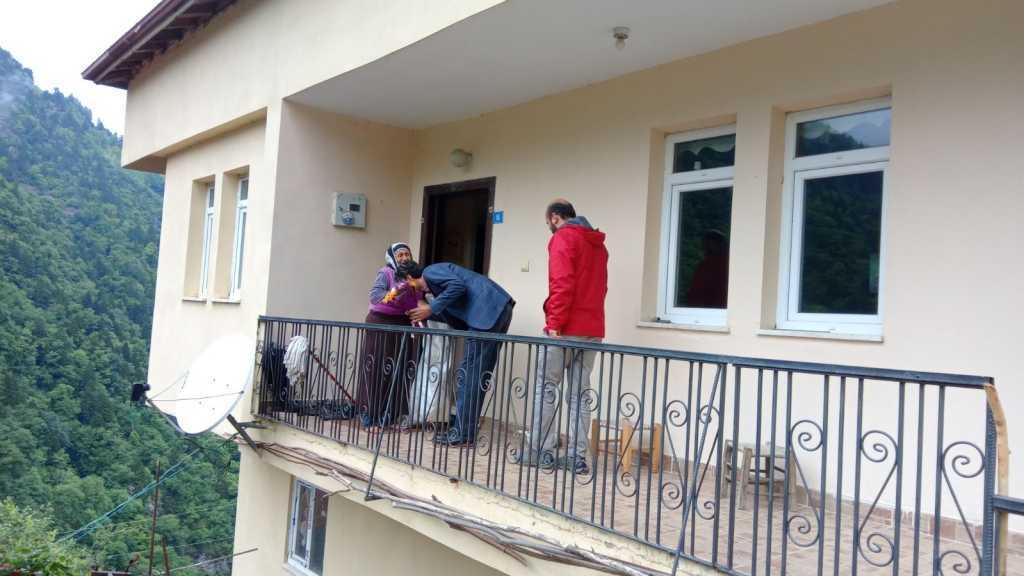 MHP Çaykara İlçe teşkilatı anneler gününü kutladı 4