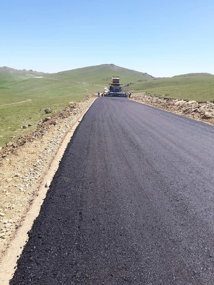 Dağ taş asfalt oldu: Kemer Dağı asfaltlanıyor 2