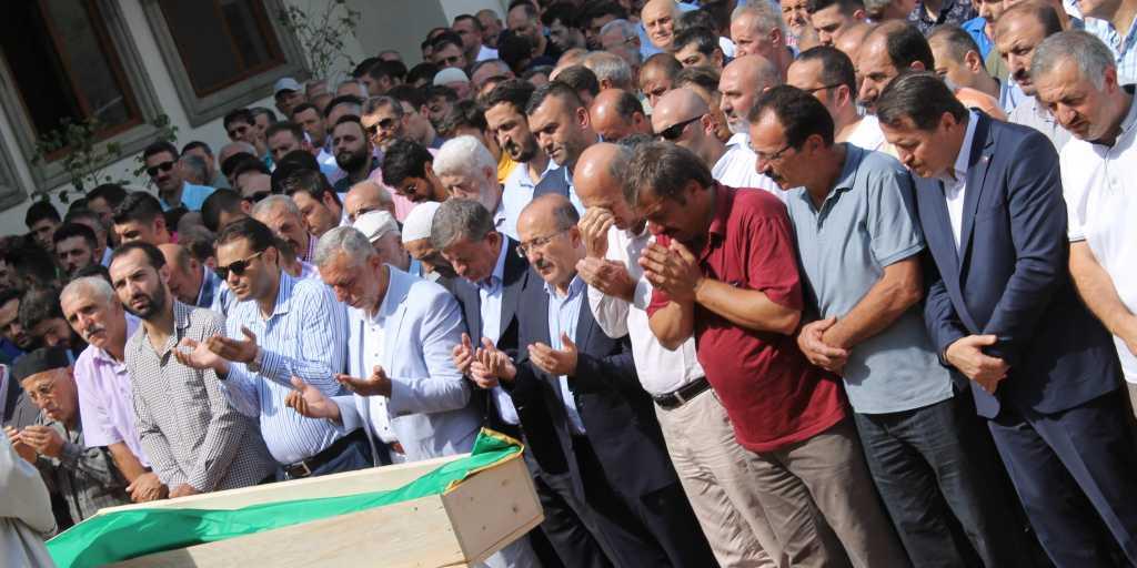Mehmet Kazancı Çaykara'yı yasa boğdu 8