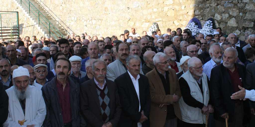 Ahmet Sevinç'i birlerce kişi uğurladı. 3