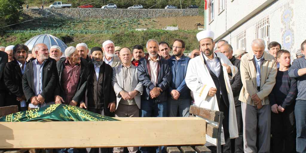 Ahmet Sevinç'i birlerce kişi uğurladı. 4