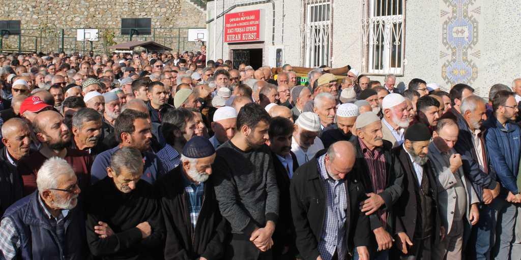 Ahmet Sevinç'i birlerce kişi uğurladı. 5