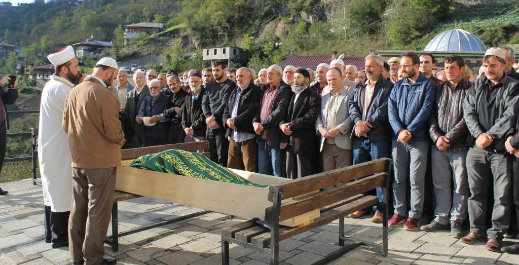 Ahmet Sevinç'i birlerce kişi uğurladı. 9