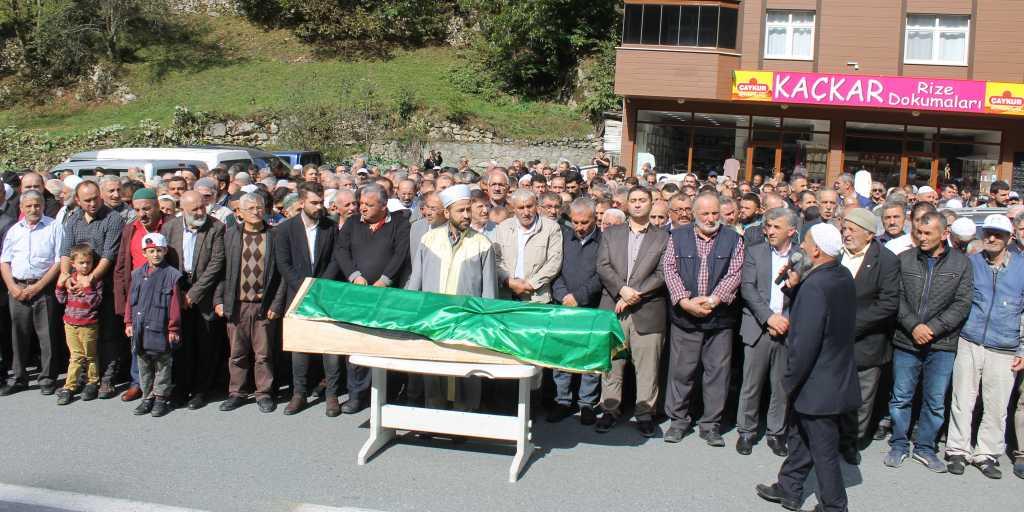 Mehmet Özen'ı binlerce kişi uğurladı 2