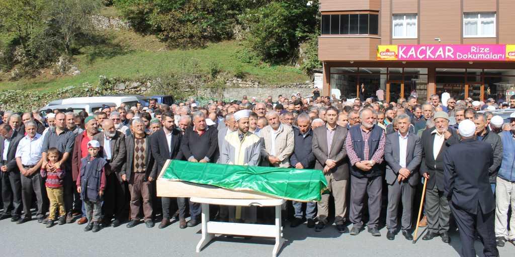 Mehmet Özen'ı binlerce kişi uğurladı 1