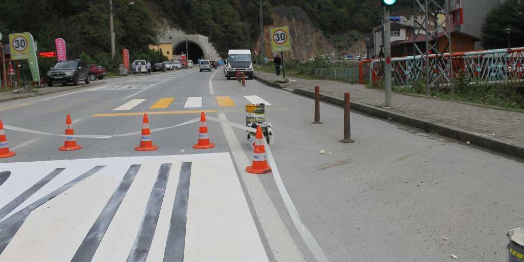 Okul Önlerinde Trafik Güvenliği Sağlanacak 7
