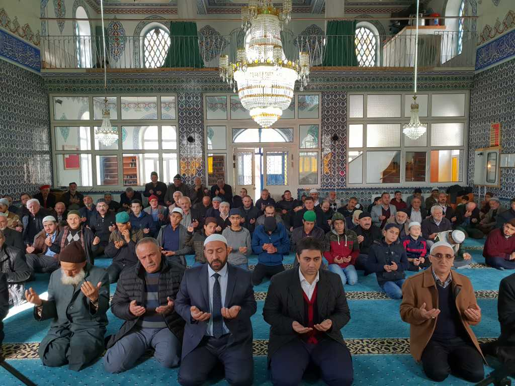 Hacı Ferşad Efendi Kur'an Kurslarında hafızlık İcazeti ve Kur'an ziyafeti gerçekleştirildi 3