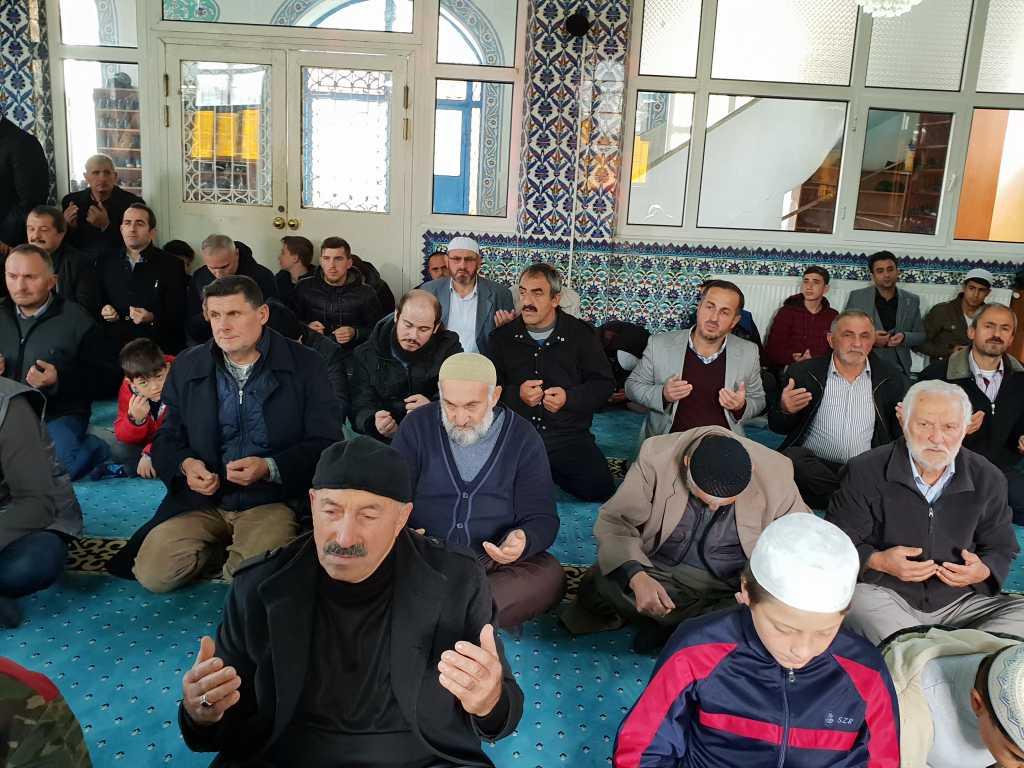 Hacı Ferşad Efendi Kur'an Kurslarında hafızlık İcazeti ve Kur'an ziyafeti gerçekleştirildi 7