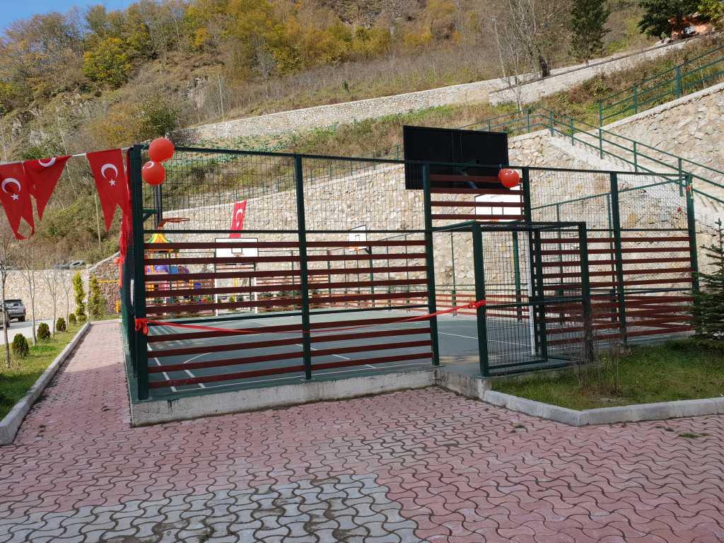 Kur'an kursuna ait modern spor sahası ve oyun parkının açılısı yapıldı 3