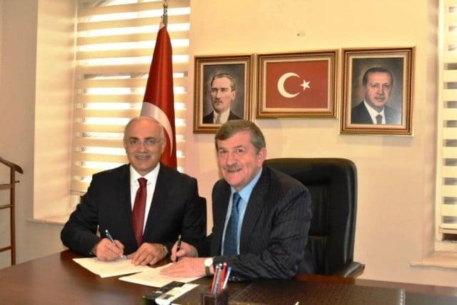 Mazhar Yıldırımhan Trabzon Büyükşehir Belediye Başkanlığı için aday adaylığı başvurusunu yaptı