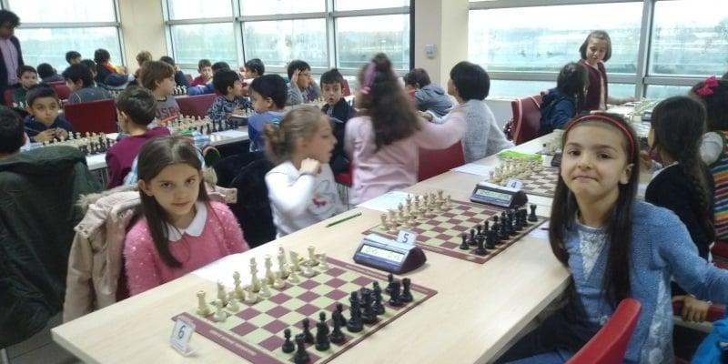 Satranç'ta Çaykara birinci sırada 7