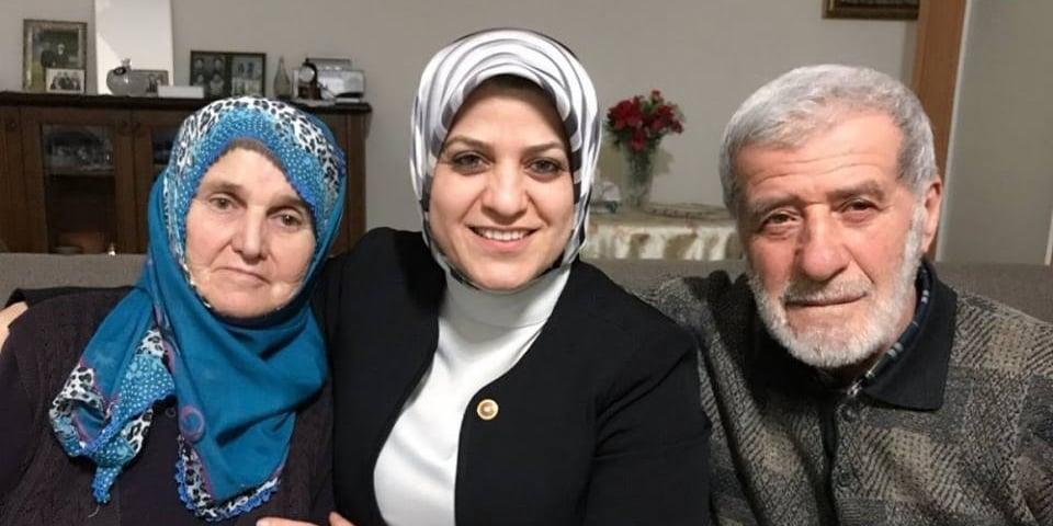 Ayşe Sula Köseoğlu'nun  Annesi vefat etti 1
