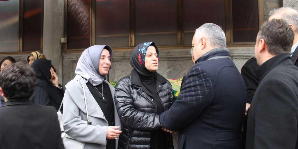 Köseoğlu'nun Annesi Hanife Sula son yolculuğuna uğurlandı 2