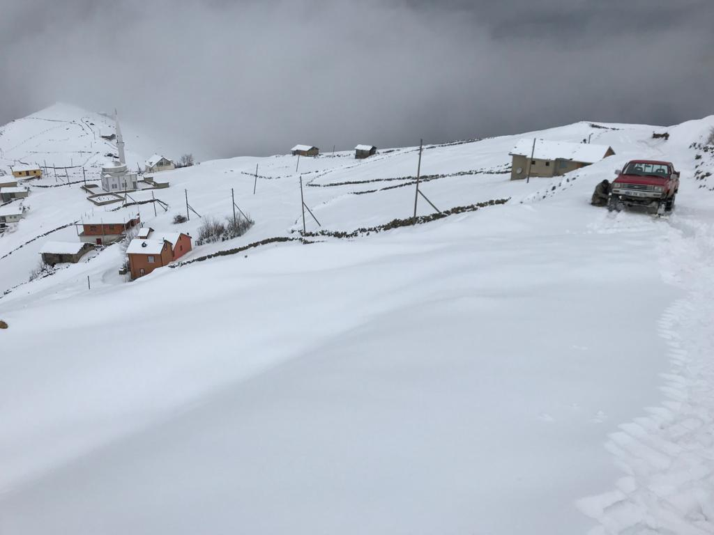Mevsimin ilk karı Çaykara'ya indi 11
