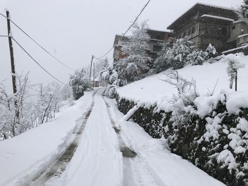 Mevsimin ilk karı Çaykara'ya indi 2