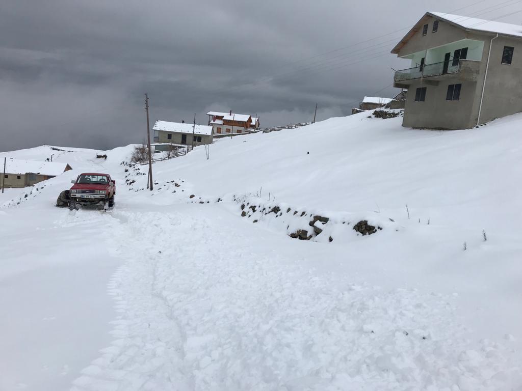Mevsimin ilk karı Çaykara'ya indi 10