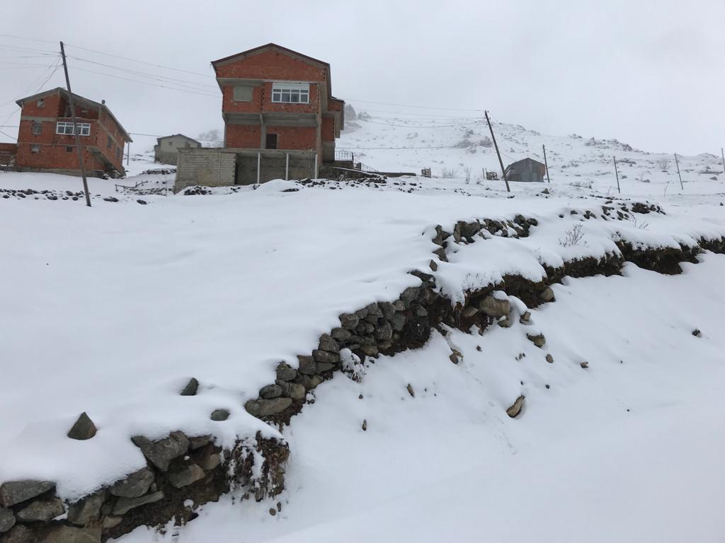 Mevsimin ilk karı Çaykara'ya indi 9