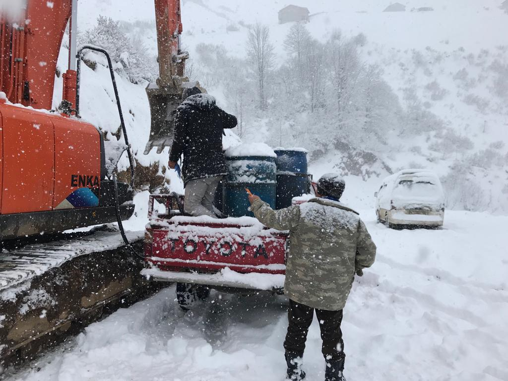Mevsimin ilk karı Çaykara'ya indi 8