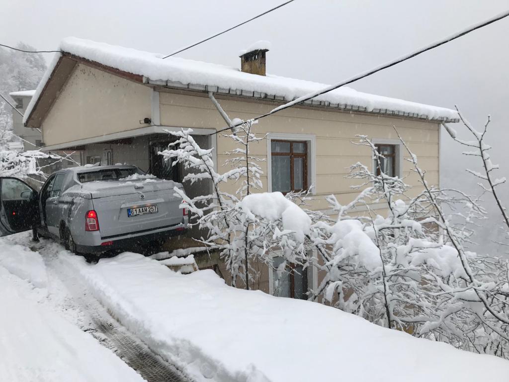 Mevsimin ilk karı Çaykara'ya indi 7