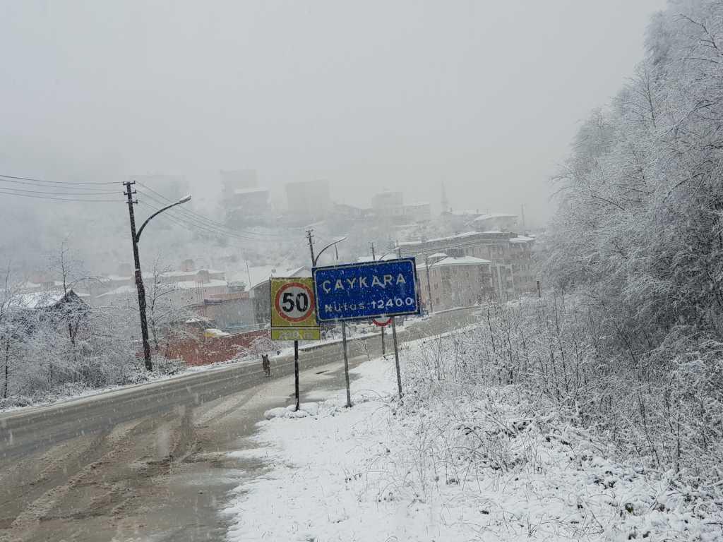 Mevsimin ilk karı Çaykara'ya indi 6