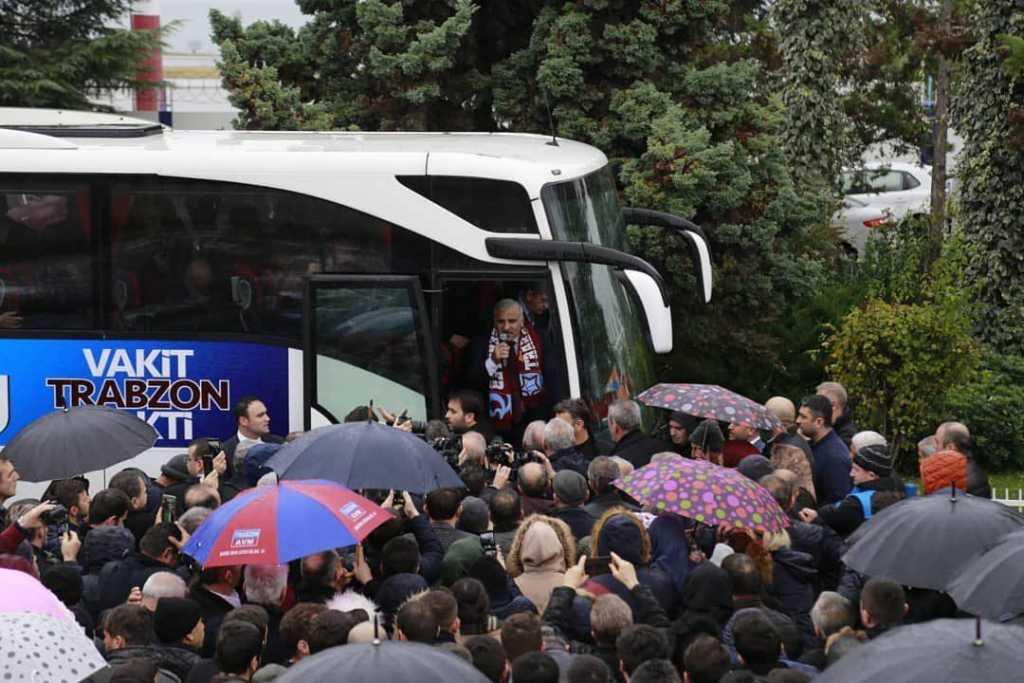 Trabzon'a gelen Murat Zorluoğlu coşkuyla karşılandı 1