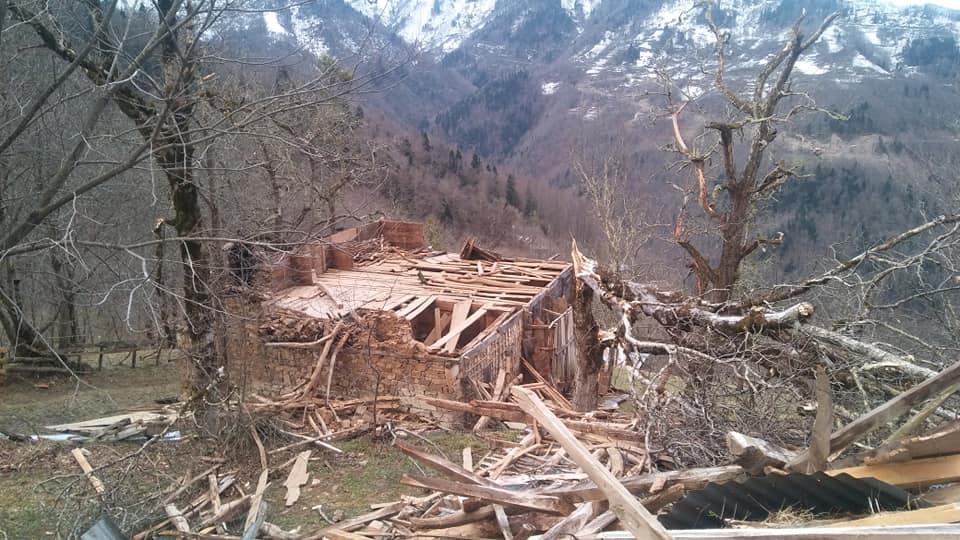 Fırtına Çaykara'yı yıktı geçti 10