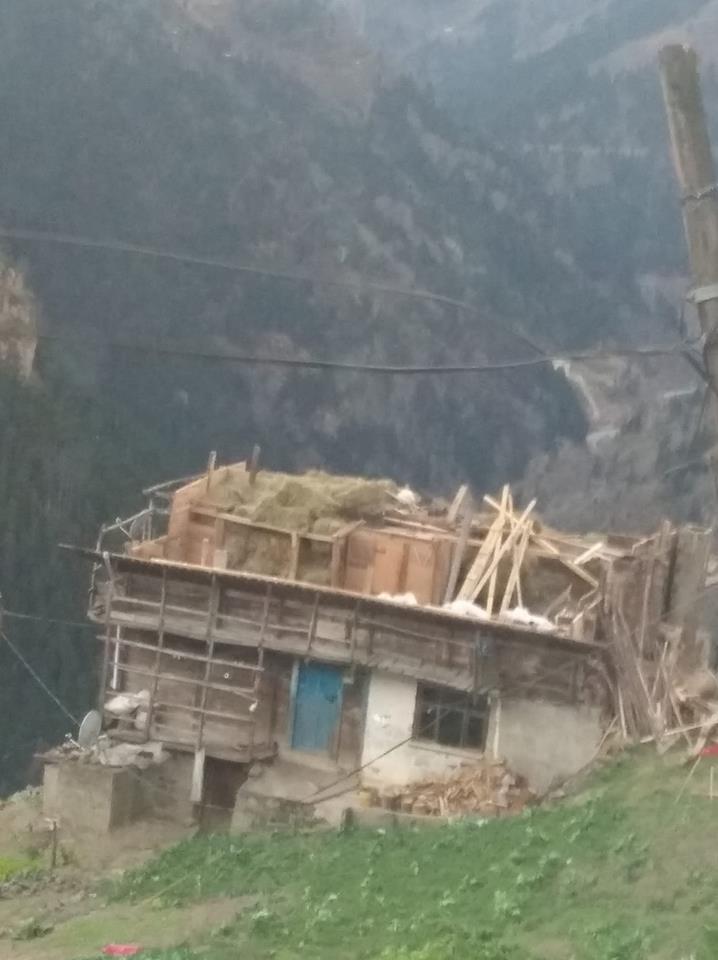Fırtına Çaykara'yı yıktı geçti 11