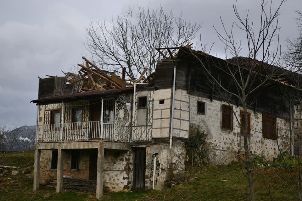 Fırtına Çaykara'yı yıktı geçti 12