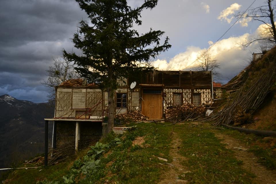 Fırtına Çaykara'yı yıktı geçti 14