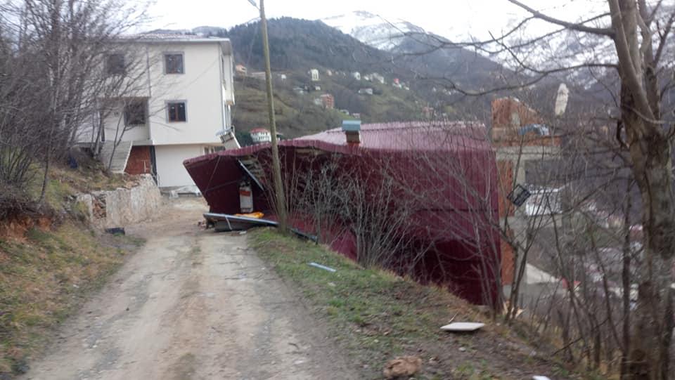 Fırtına Çaykara'yı yıktı geçti 3
