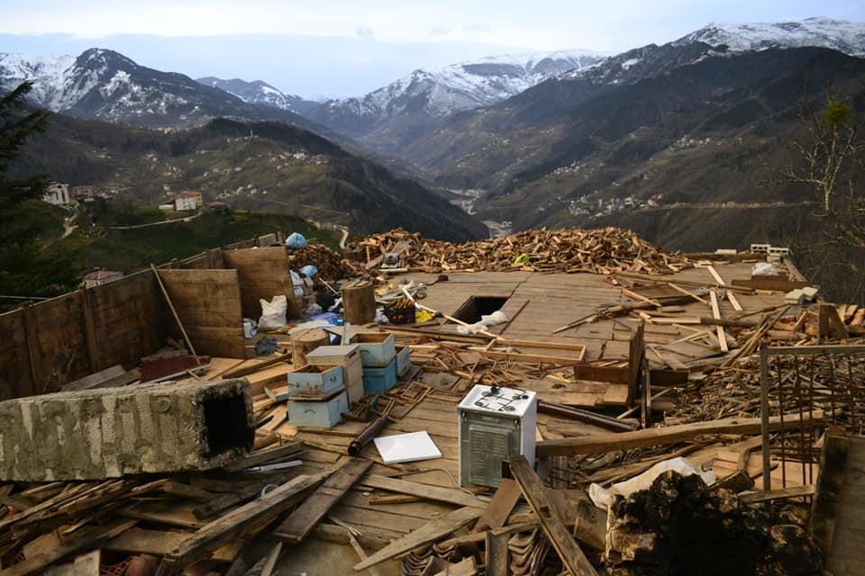 Fırtına Çaykara'yı yıktı geçti 6