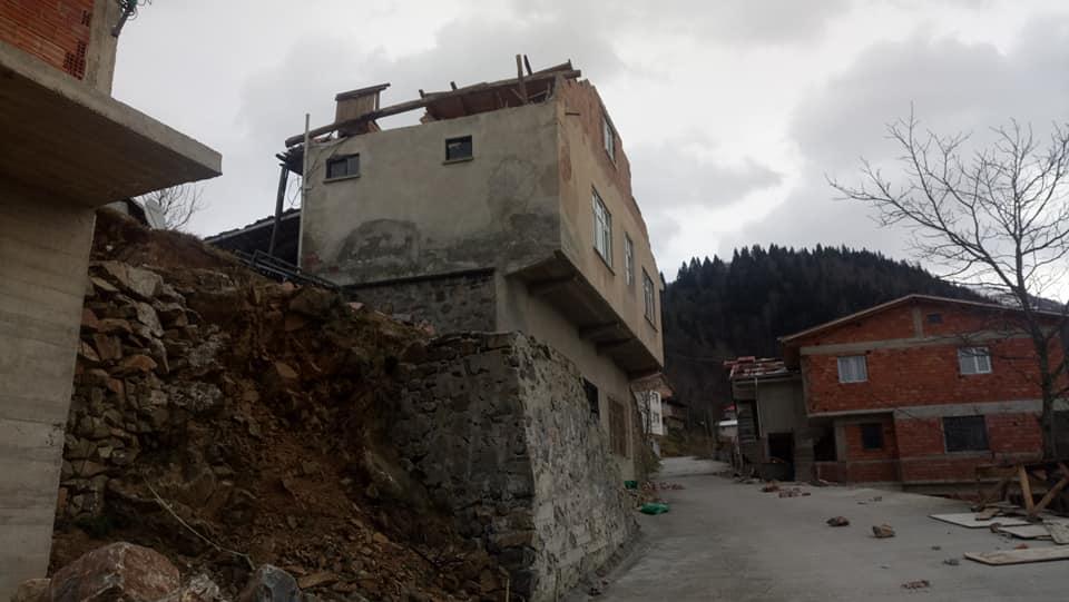 Fırtına Çaykara'yı yıktı geçti 8