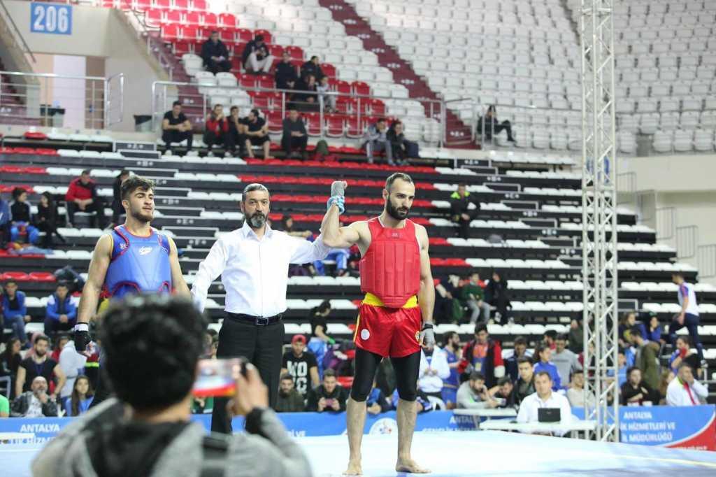 Bir Şampiyon da Wushu-Kungfu da 6