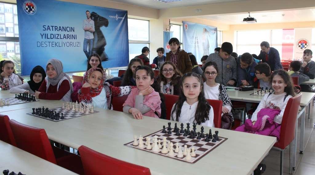 Okul Sporları Satranç İl Birinciliği ve ikinciliği Çaykara'dan 5