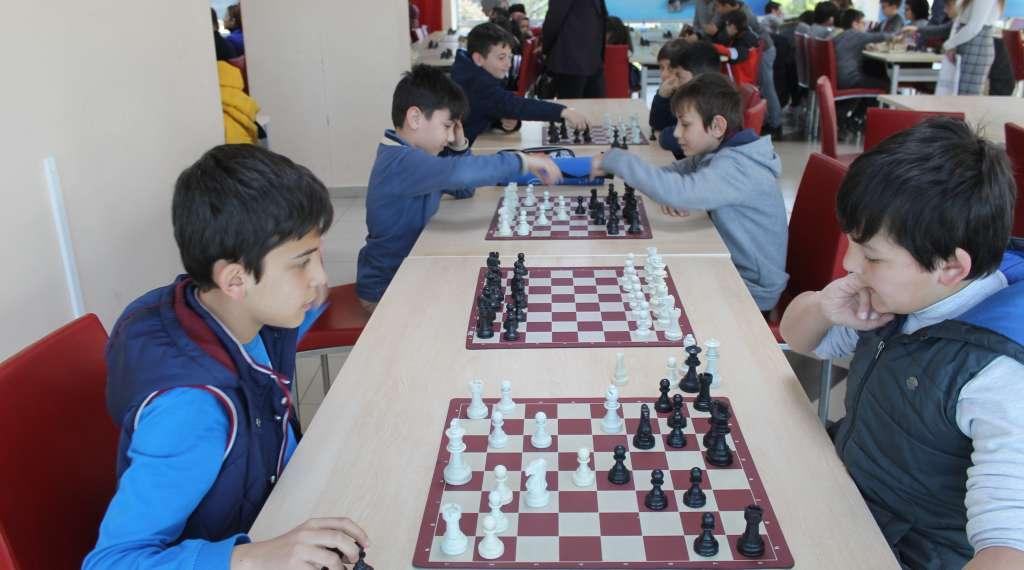 Okul Sporları Satranç İl Birinciliği ve ikinciliği Çaykara'dan 6