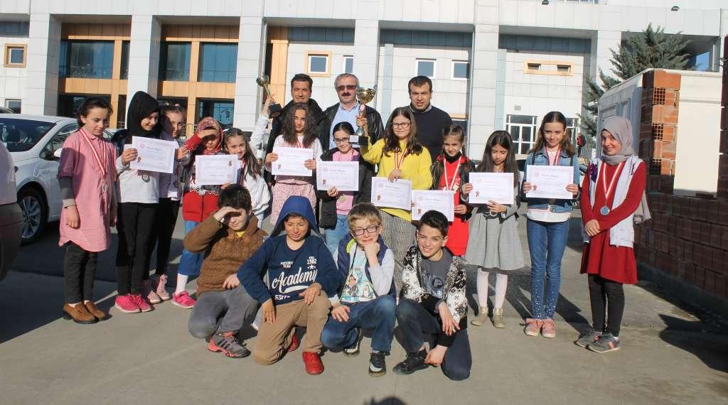 Okul Sporları Satranç İl Birinciliği ve ikinciliği Çaykara'dan 9