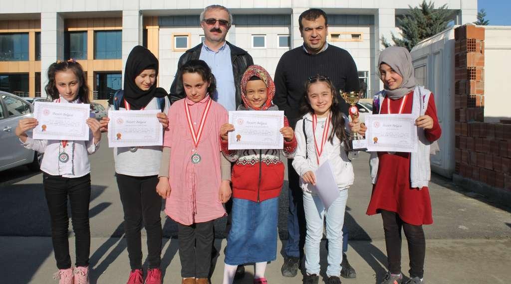 Okul Sporları Satranç İl Birinciliği ve ikinciliği Çaykara'dan 11