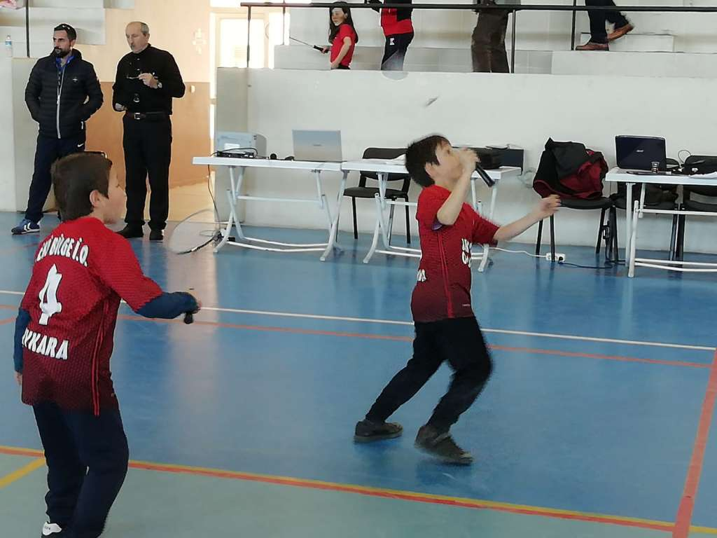 Zeki Bilge İlkokulu Badmintonda Trabzon ikincisi oldu 2