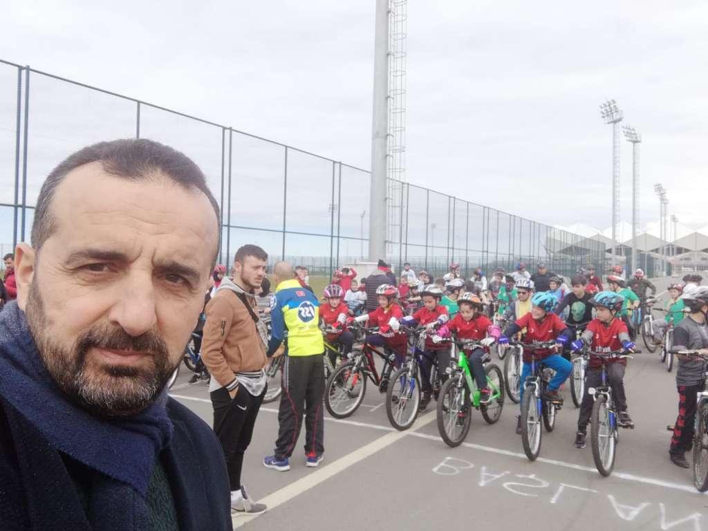 Zeki Bilge İlkokulu Bisiklette ferdi ve takım halinde Trabzon şampiyonu oldu 2