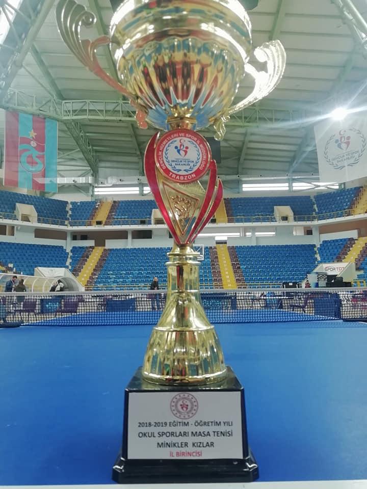 Zeki Bilge İlkokulu Masa Tenisinde Trabzon şampiyonu oldu 5