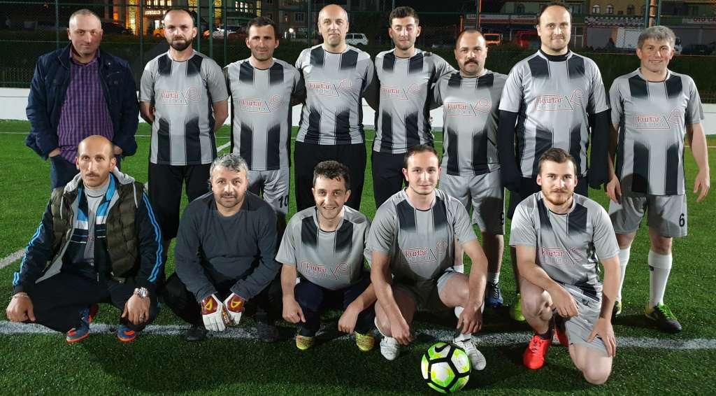 Çaykara Kaymakamlık Kupası maçlarına 3 grupta devam edildi 2
