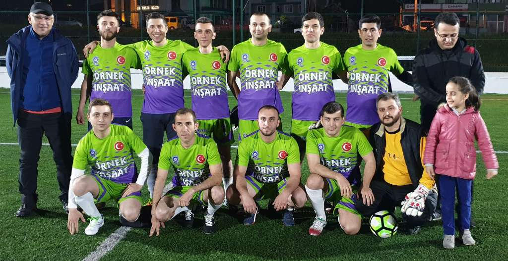 Çaykara Kaymakamlık Kupası maçlarına 3 grupta devam edildi 4